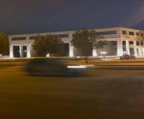 مركز تجاري بموقع جدا مميز شمال جدة ويقع على طريق الأمير عبدالمجيد الرئيسي شارع عرض 55 متر