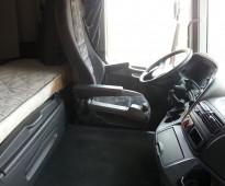 شاحنة اكتروس 2005 حجم 1844 بها ليقر حاويات