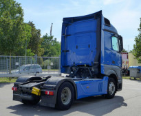 شاحنة مرسيدس اكتروس موديل 2013 للبيع بسعر تنافسي