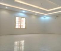 شقه 5 غرف جديده للبيع اماميه بمدخلين  للبيع