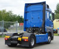 شاحنة مرسيدس اكترس تتحدى الاسعار