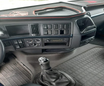 للبيع شاحنه فولفو  fh460 موديل : 2012 بحالة نظيفة جدا