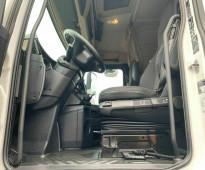 شاحنة مرسيدس اكتروس mb4 موديل 2013 نظيفة ومضمونه وبسعر مناسب جدا موجدة بجدة