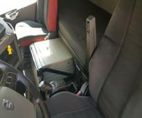 شاحنة فولفو موديل 2014 نظيفه ومظمونه وبسعر مناسب جدا استيراد حسب الطلب