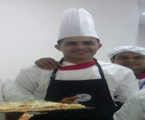 السلام عليكم  الشيف عبد الجليل 43سنة خبرة 21سنة الطبخ العالمي،ا الايطالي الفرنسي،الوات ساب 0021699226288