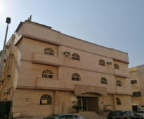 عمارة سكنية ٨ شقق بمصعد في البوادي