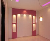 تملك شقة روف ملحق 5غرف مع السطوح ب اقل أسعر قريب من جميع الخدمات  تتكون من 5-غرف +4دورات مياه +مطبخ+ صاله +خزان علوي وسف