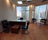 مكتب مفروش ومجهز بالكامل .