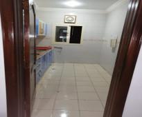 للايجار شقة عزاب 3 غرف حي الحمدانية