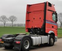 للبيع بسعر ممتاز شاحنه مرسيدس اكتروس  1842 mp4 (2*4) موديل : 2013