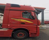 فرصة ممتازة لامتلاك شاحنة مرسيدس مضمونة وبسعر مناسب