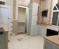 للإيجار  شقة في حي طيبة الرحيلي بثلاث غرف  مفروشة