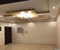 شقة للايجار بمدخلين واربع غرف