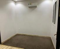 شقة عزاب للاجار  تتكون من غرفة و صاله