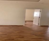 شقة للايجار مدخل خاص مع سطح