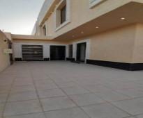 للبيع فيلا زاوية فاخرة درج صالة المساحة ٢٤٣م في حي عكاظ السعر ٩٥٠ الف