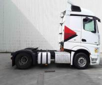 بأقل الاسعار بالسوق السعودى للبيع  شاحنه مرسيدس اكتروس  1845 mp4 (2*4) موديل : 2013