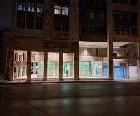 معرض وميزانين على شارع الضباب حي المربع 360م