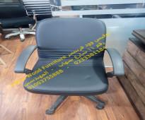 كرسي موظف جلد مستورد 01003755888 ضمان عام