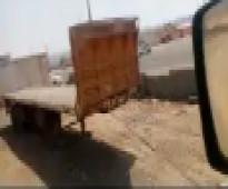 شاحنات ومعدات ثقيلة - سطحه