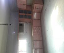 شقه 5 غرف بمدخلين ومطبخ مركب