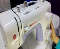 للبيع ماكينة خياطة سينجر