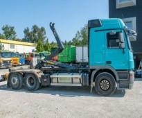 لدينا بسعر تنافسى للبيع شاحنه مرسيدس اكتروس   2544 mp3 (2*6) مع هوك موديل : 2012